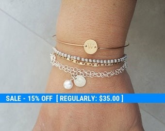 Dainty Bracelet,Initial Bracelet,Delicate Personalized Initial Disk Bracelet,,sterling silver Bracelet,Girlfriend Gift,Personalized Jewelry