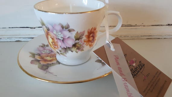 Tea cup candle. Scented soy wax vegan vintage tea cup candle, with plum and bramble.  Vegan candles. Organic soy. Made in Wales