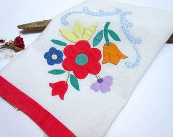 Vintage Linen  Tea Towel  Cottage Chic  Kitchen Towel   Dish Towel  Dishcloth    Kitchen Decor  Vintage Linens.
