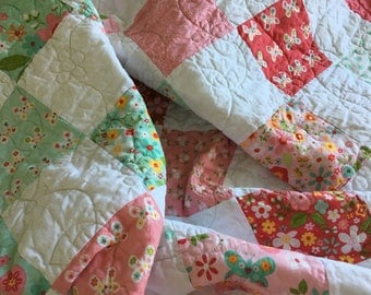 Handmade baby quilt, baby girl gift, patchwork quilt