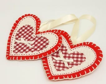 Red and white heart decorations / red and white gingham / felt christmas tree decoration / hanging decoration / stocking filler / gift idea