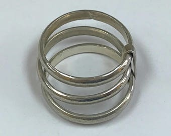 Vintage 925 Sterling Silver Stackable Ring!! Size 9