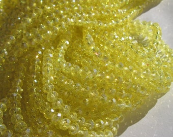 30 round faceted beads yellow glass reflection 7 to 8 mm - (117)