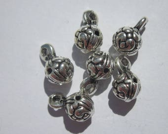 6 ball 12mm silver plated charms (6145).