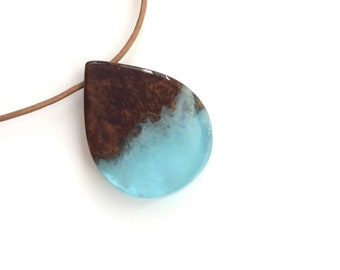 Wood Resin Necklace, Resin Wood Jewelry, Blue Resin and Wood Pendant Necklace, Wood Necklace, Resin Jewelry, Wood Jewelry, Beach Jewelry