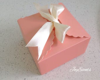 30x Pink Paper Boxes   Bomboniere Favour Box   Wedding & Party Christmas Gift Box for Chocolate Bakery Cookie Candy 9x9x5