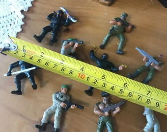 Vintage 1986  lot of 9 action figuries from mattel. Inc.