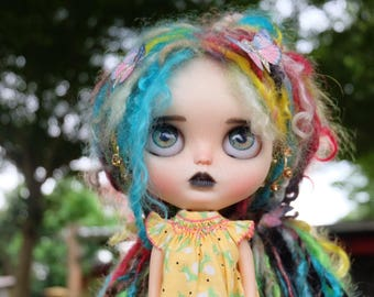MOKE is looking for love. OOAK custom blythe doll