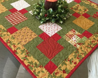 Quilted table topper Christmas table topper quilted : quilted table linens - Adamdwight.com