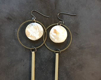 Ancient light earrings, brass and resin