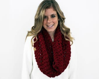 Womens Chunky Knitted Scarf Cowl Cranberry- Anacostia Cowl