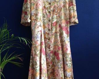 Vintage dress with floral print.