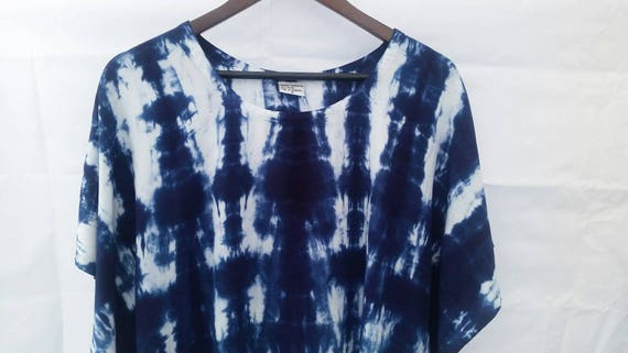 Hand Dyed Women's U-Shaped  Tunic/Indigo Shibori Design Tunic/ Tie Dyed/Women's