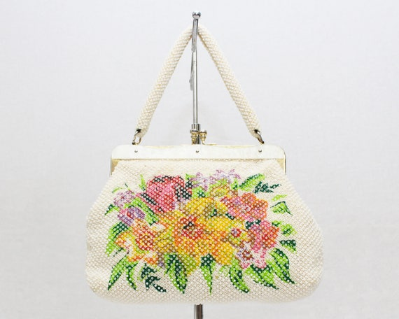 Vintage 1960s White Floral Beaded Handbag