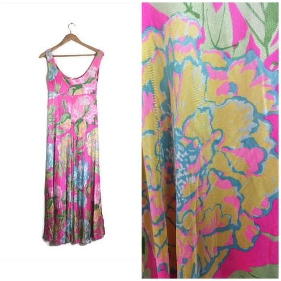 Pink 60s maxi dress / neon pink vintage long dress / retro empire floaty dress / festival floral maxi / boho beach dress / neon pink maxi