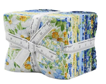 Moda 27 Fat Quarter Summer Breeze V Blue Yellow White Floral Fabric Bundle