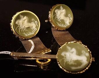 "Dante ""Mustangs"" horses incolay cameo vintage cufflinks vintage tie bar F5"