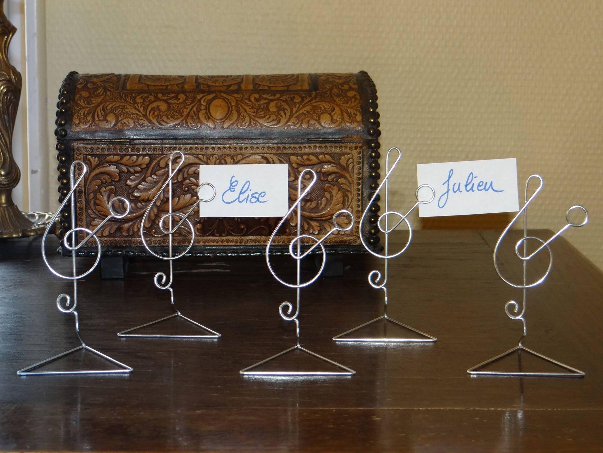 Cl de sol marque place en fil aluminium fait main - Porte nom de table fait main ...