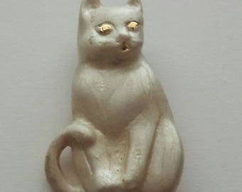 Vintage White and Gold Cat Brooch, White Cat Brooch, Cat Brooch, Cat Pin, Kitty Brooch