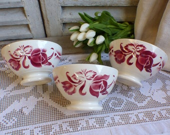 Set of 3 french vintage large red stencilware bowls. Cappucino bowl. Red stencilware. Café au lait bowl. French country kitchen bowls
