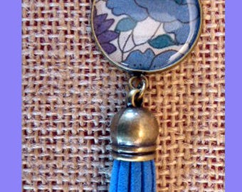 Poured liberty poppy and daisy blue