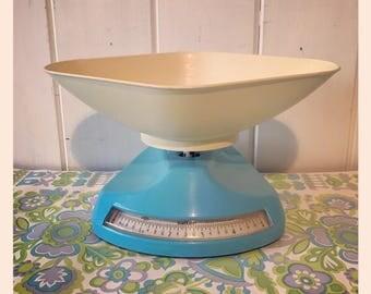 Vintage Salter Bathroom Scales circa 1950-1960 - Powder Blue.