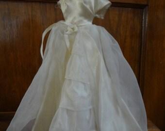 Barbie ~ #947 Brides Dream; gown, veil and gloves