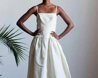 ECLIPSE 1970s Minimalist Oscar de la Renta Wedding Gown