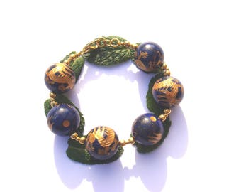 Under the Protection of the Dragon Totem: bracelet Lapis raised patterns Golden 20.5 cm wrist max