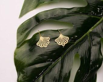 Gold plated earring fan