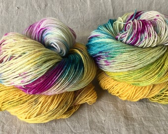 hand-dyed sock yarn, trekking, golden flowers
