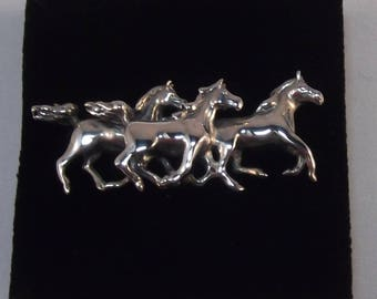Beautiful Galloping Horses Sterling Silver Brooch