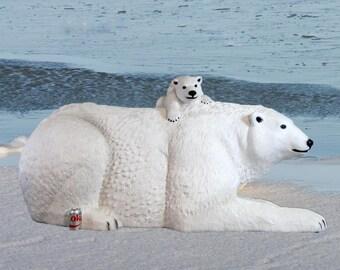 Polar Bear with Cub on Back Statue Sculpture Kodiak Arctic Circle Life Size