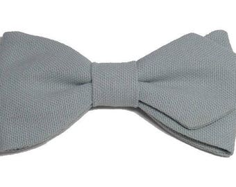 Bow tie green grey with sharp edges