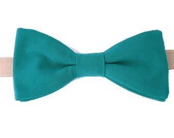 Emerald Green bowtie with straight edges