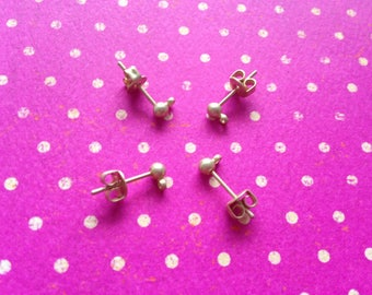 4pcs (= 2 pairs) earring posts with rings and matte gold buttons