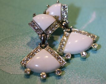 Lovely Vintage Kramer White Milk Glass Dangles