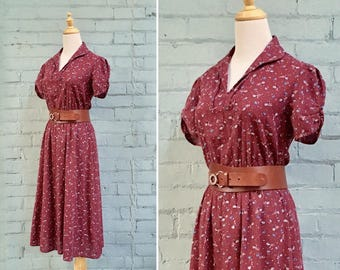 1970s burgundy floral day dress / 70s red floral midi dress / 1970s cotton floral dress / size small