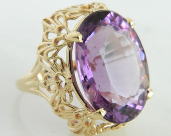 Vintage 14K Yellow Gold  Amethyst Ring size 6.25
