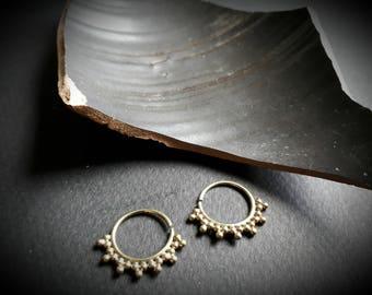 earrings *spiky*