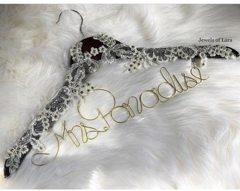 Name and lace wodden hanger