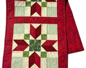 Quilted Christmas Table Runner in Red and Green, Starred Christmas Table Cloth, Christmas Table Scarf,  Runner Christmas, Quiltsy Handmade
