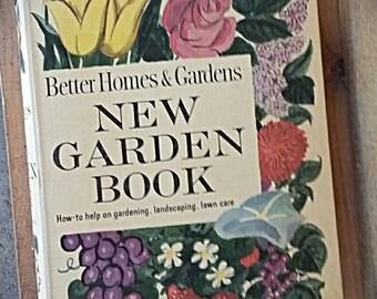 """Better Homes and Garden """"New Garden Book"""" 1961"""