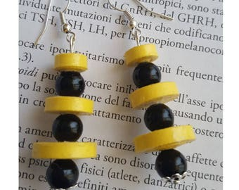 Quilling Black-Yellow earrings