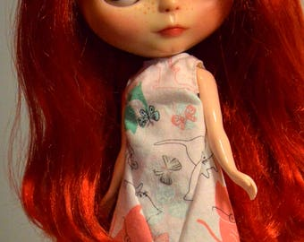 Blythe dress, Blythe clothing, fashion doll clothing, Blythe dress with cats and butterflies, Eclectic Wandering handmade, Blythe dress