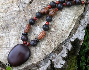 Ethnic necklace with caribbean exotic seeds (Entada, raphia, acai, pona, savonnette)