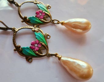 Romantic Art Nouveau Victorian earrings Art Deco jewellery 1920s bridal vintage style baroque pearl drop pink and green earrings