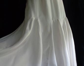 Vintage wedding skirt cream or white silk fully lined large