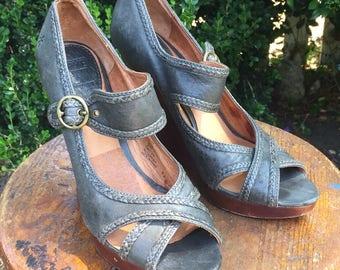 Frye Greta Criss Cross Sandal, 8.5 ladies, platform wedge, peep-toe, leather