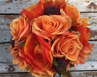 FALL BOUQUET:  Orange rose and ranunculus handtied bouquet & bout